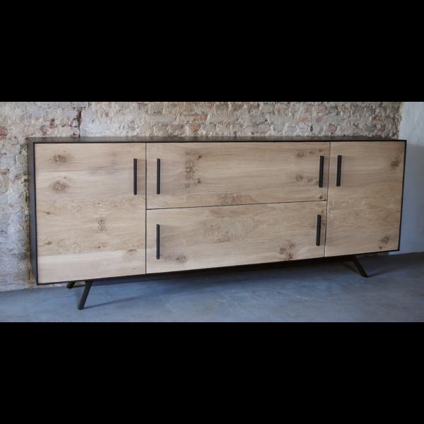 Credenza   dressoir, oud eiken gecombineerd met staal