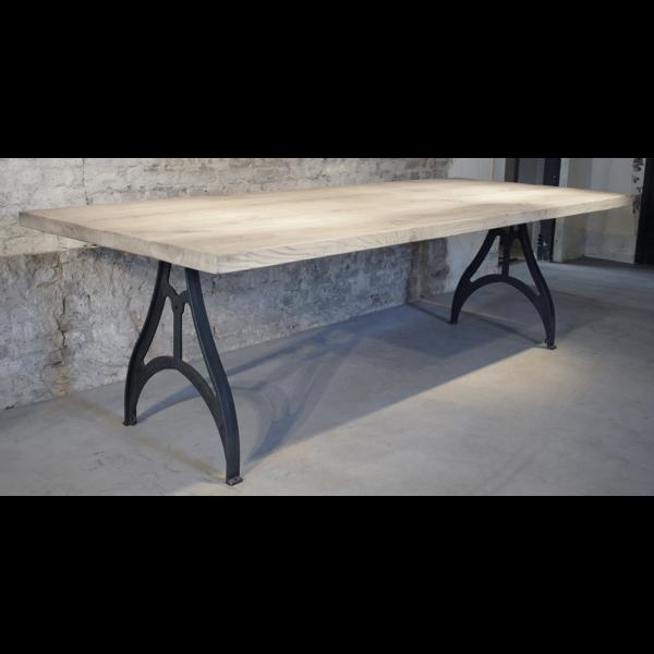 Industriële tafel met rustiek eiken tafelblad, ca. 4,5cm DT01