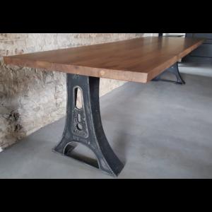 Industriële tafel met Amerikaans notenhouten tafelblad - DT10