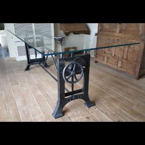 In hoogte verstelbare Industriele tafel met glazen blad extra helder DT12
