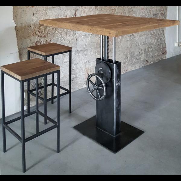 Hoogte verstelbare Industriele Bistro tafel met oud eiken tafelblad DT26
