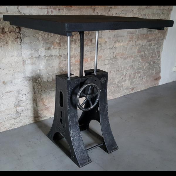 in hoogte verstelbare Industriële tafel DT23