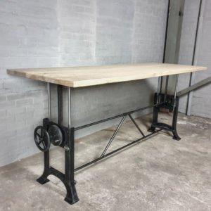 In hoogte verstelbare industriële tafel met gebleekt massief oud eiken blad - IND711