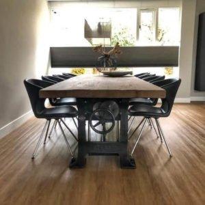Industriële eetkamertafel hoogte verstelbaar - 7 cm massief oud eiken tafelblad