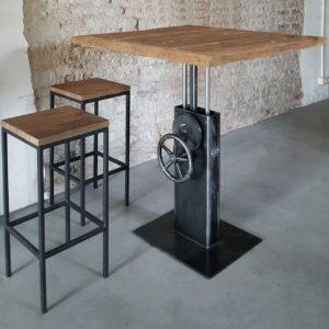 Hoogte verstelbare Industriele Bistro tafel met oud eiken tafelblad - DT26