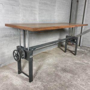 In-hoogte-verstelbare-industriële-tafel-tafelblad-van-kurk-en-notenhout-IND730