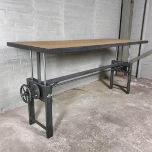 In-hoogte-verstelbare-industriële-tafel-tafelblad-van-kurk-en-staal-IND729