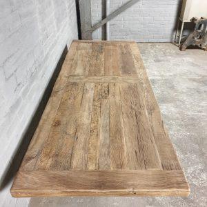 Industriële eettafel eikenhout - ijzeren tafelpoten - TOP048-1